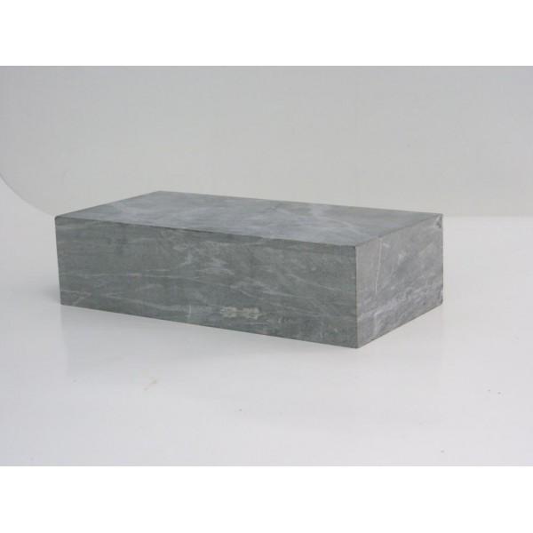 Кирпич из талькохлорита 250х125х50 мм